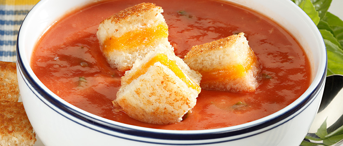tomato soup with croutons on top