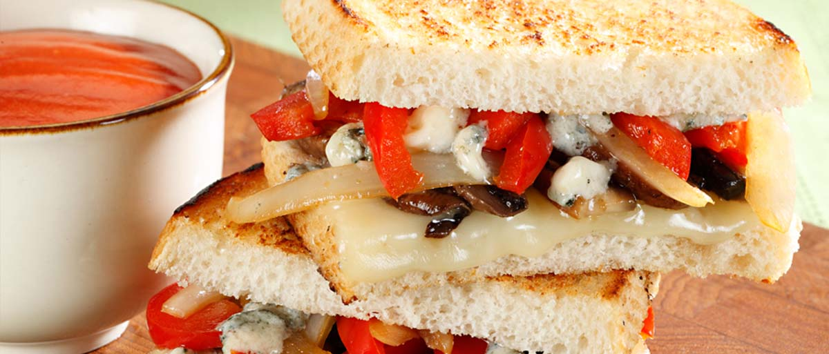 grilled cheese with mushrooms and red peppers